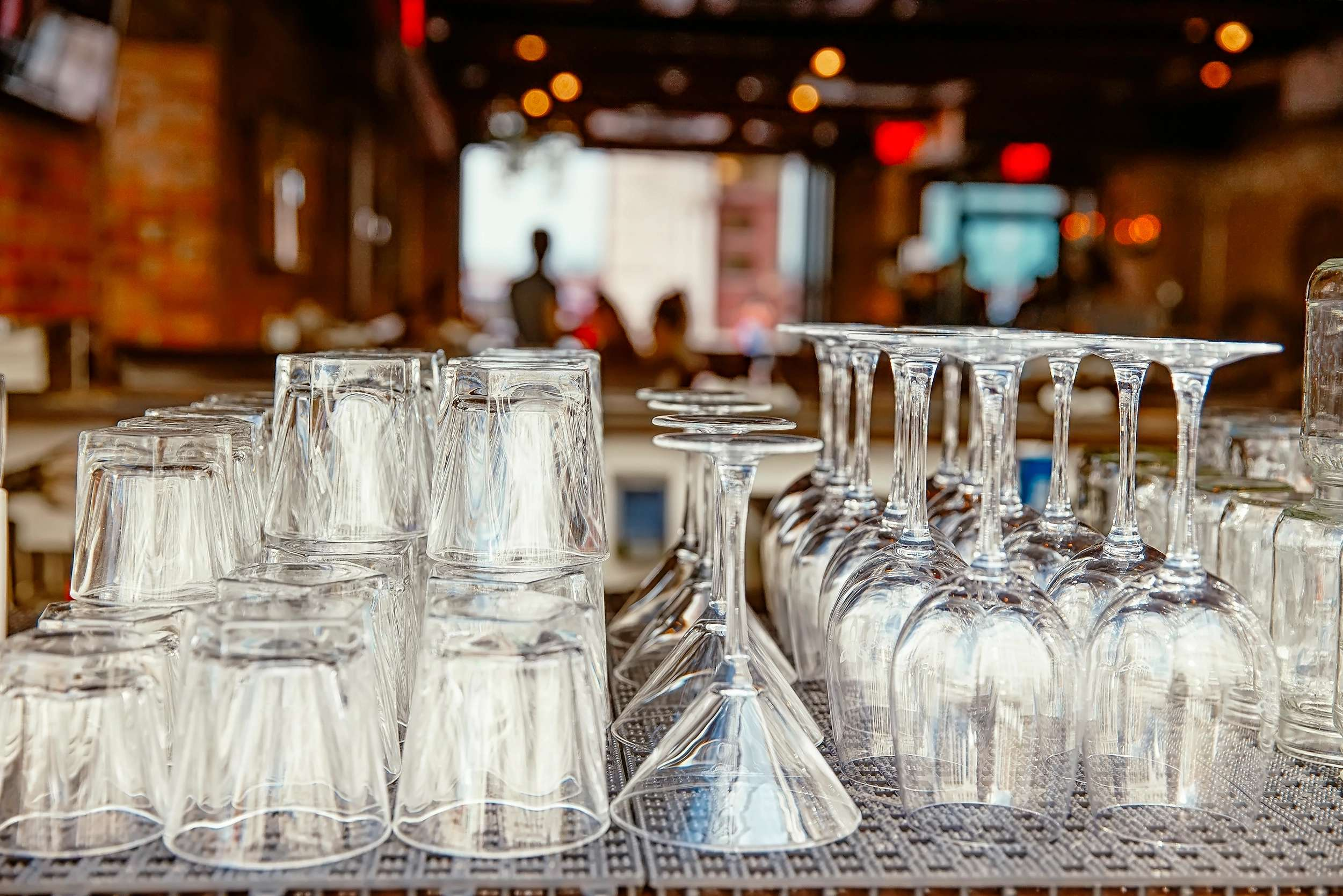 Finding the Right Custom Drinkware for Your Restaurant